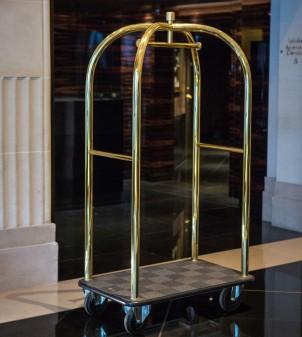 Carrello portavaligie per hotel in ottone o acciaio inox