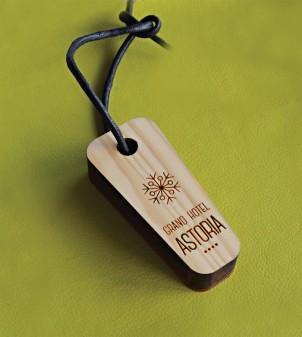 Portachiavi in legno incisi e personalizzati