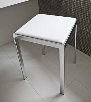 Sgabello da bagno con seduta in ecopelle