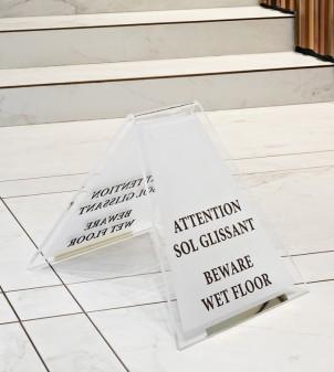 Cartello pavimento bagnato personalizzabile