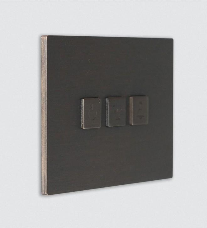 Placca elettrica da muro con pulsanti