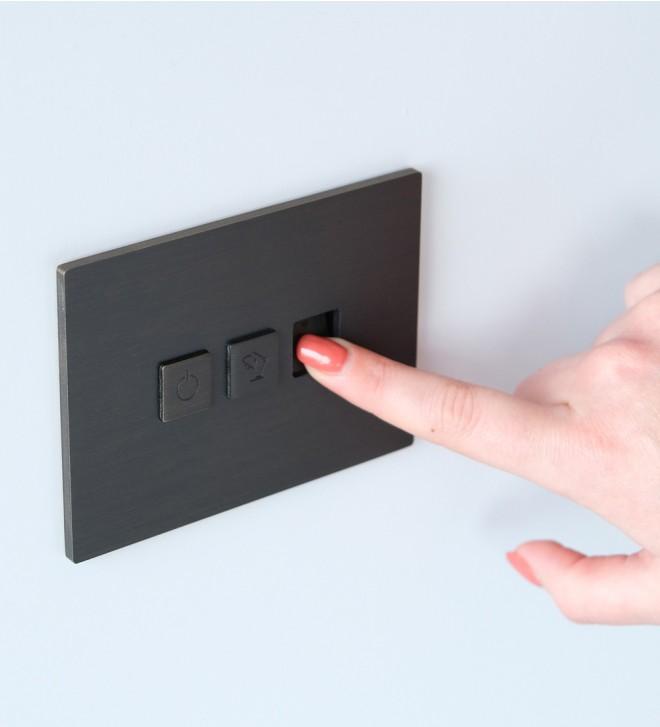 Placche interruttori con pulsante e USB