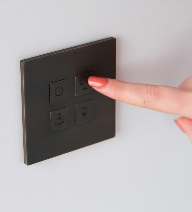 Placche interruttori design con pulsanti