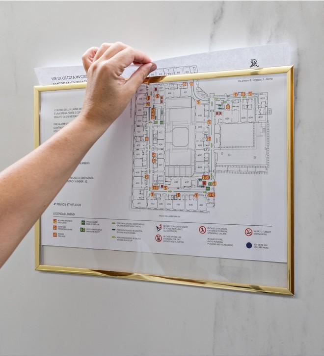 Supporti per listini prezzi camere e norme antincendio